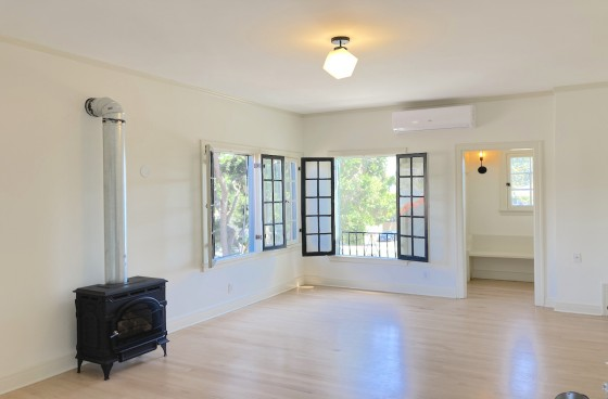 Fully Restored 1920s Spanish Colonial Revival Top Level Home