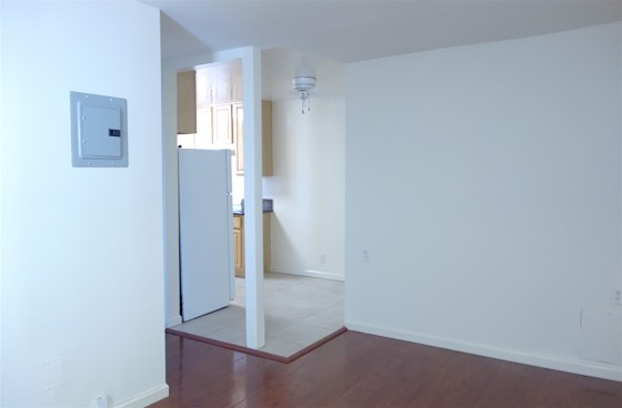 Small Unit w/Balcony in Gated Complex w/Pool   $2 Parking