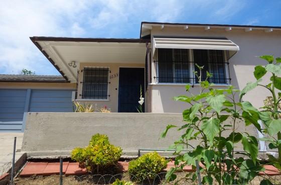 Remodeled Elevated Duplex w/Garage, Yard, Washer/Dryer