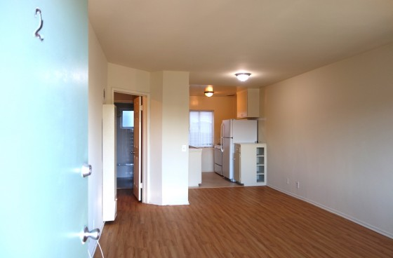 Westside Living! Two Bedroom unit with One Car Garage Close to Culver City, Mar Vista and Venice