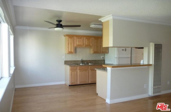 Remodeled 1br with Parking in Great SaMo Location