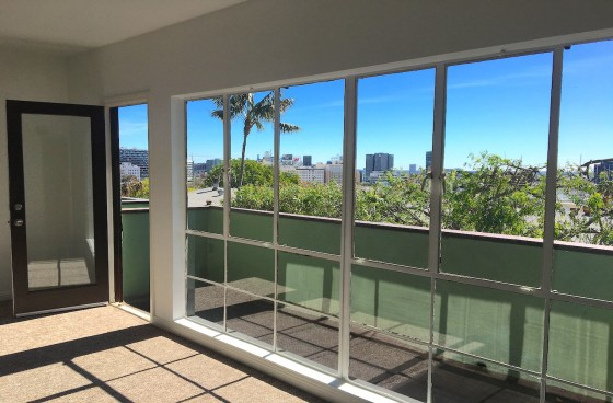 Mid-Century Modern Top Level Unit w/Epic Views, Balcony, Parking