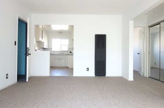 Bright Top Level Unit with Parking in Hollywood | Close to Paramount, Sunset Gower Studios & Hollywood Forever