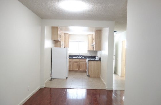 Small 1 Bedroom w/$2 Parking | Gated Complex, Pool