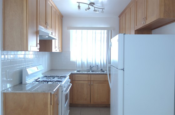 Top Level Remodeled Home w/2 Parking Spaces close to Culver City