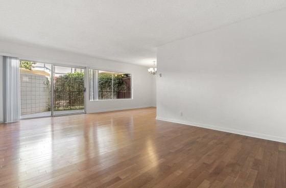 Spacious & Sophisticated Home w/Large Patio in Wilshire/Montana of Santa Monica