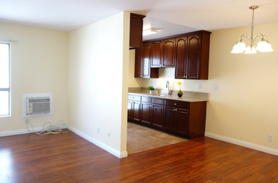 Remodeled Unit with Awesome Downtown Views & Parking