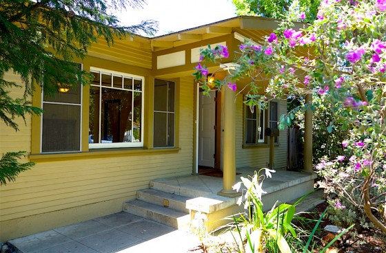 1920s Charming Craftsman Home w/Private Backyard