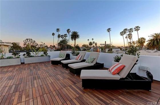 Venice Architectural Smart Home located in the Silver Triangle