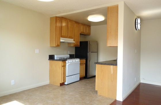 Fully Equipped Unit w/$ 2 Parking | Water, Gas, Trash Paid