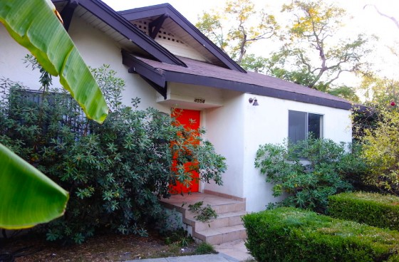 Walkers Paradise! Front House with Private Yard in Prime Los Feliz Location